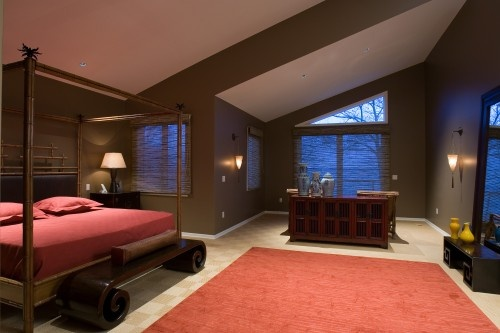 Use of paint on slanted ceilings master bedroom ideas - Slanted ceiling paint ideas ...