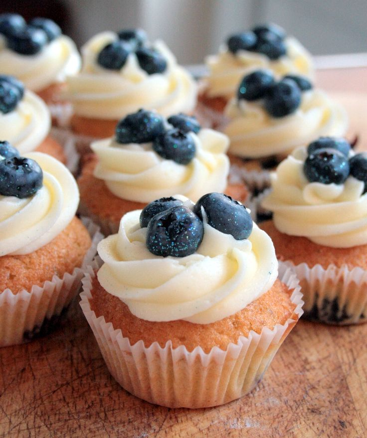 Simple blueberry cupcakes muffins | Easy Cupcakes | Pinterest