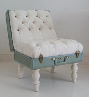 Suitcase chair!!! So awesome.
