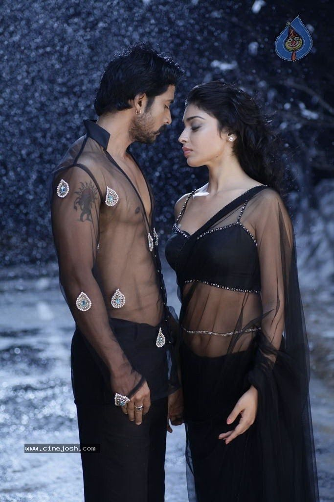 Shriya Saran Hot & Spicy Stills From Her Latest Movie