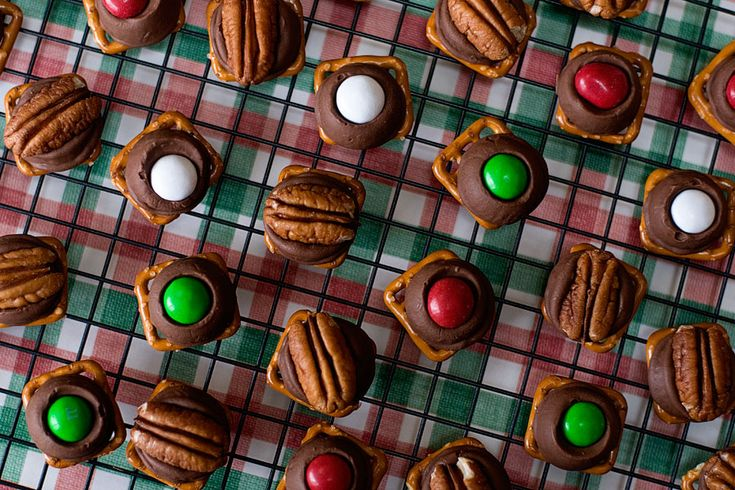 Pretzel Rolo Turtles } We always make these every year, but we use ...