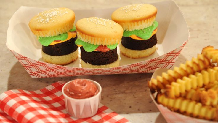 Hamburger Cupcakes with Pound Cake Fries | Recipe