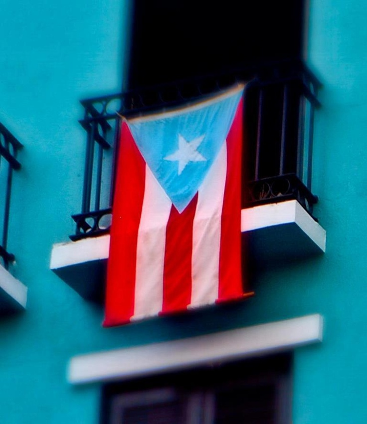 colors of the puerto rican flag