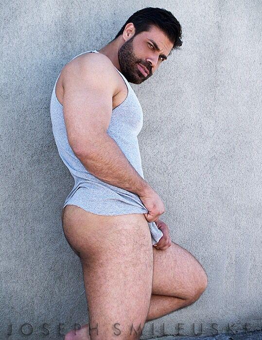 Joseph Smileuske Nude