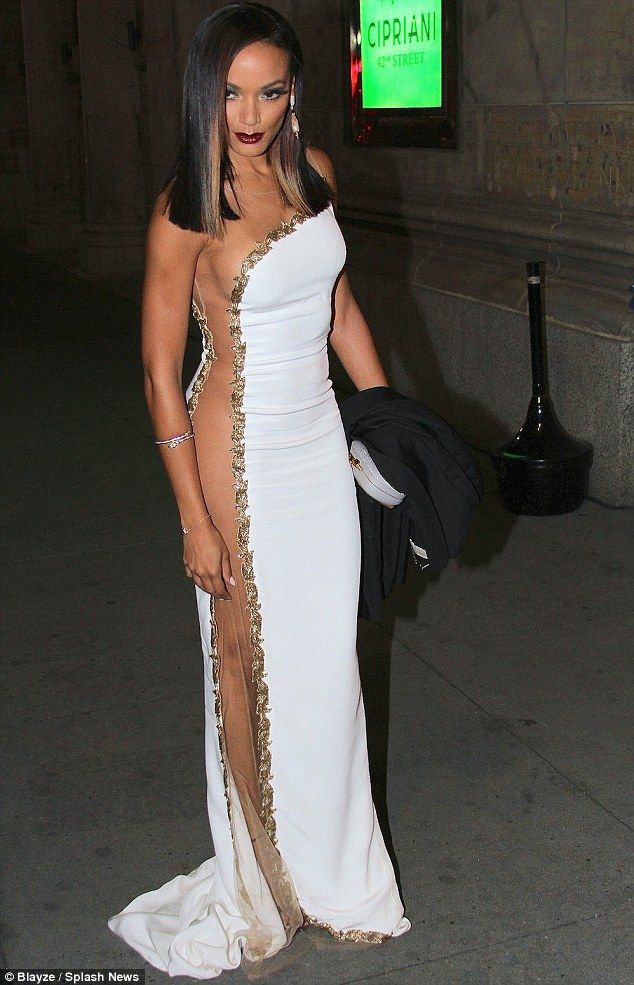 On show: Selita Ebanks. I think I like the dress