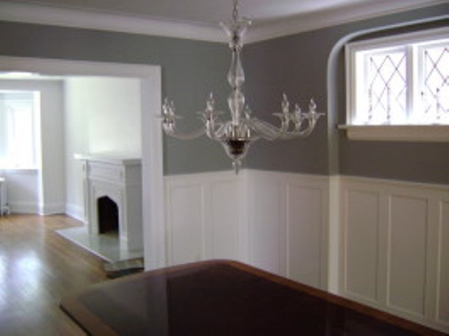 Love the grey walls home sweet home pinterest for Dining room painting ideas with wainscoting
