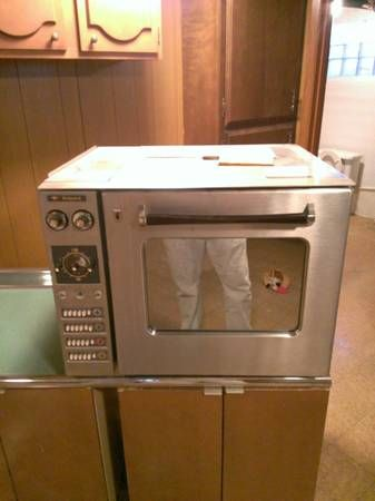 Countertop Height Range : 1960 countertop-height Hotpoint oven with hideaway fold-down electric ...