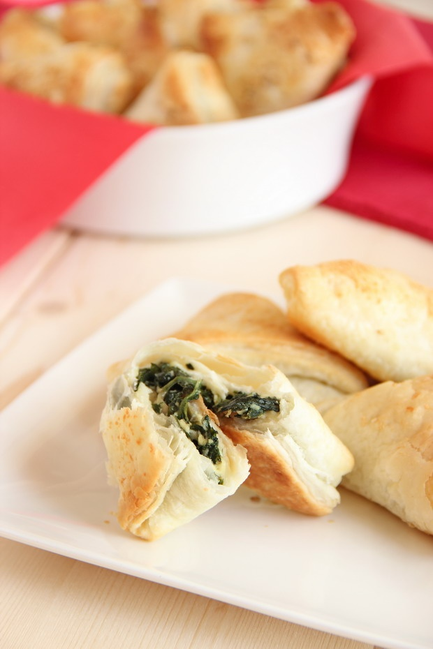 Spinach and ricotta puff pastries...SHOULD NOT come on here when I AM ...