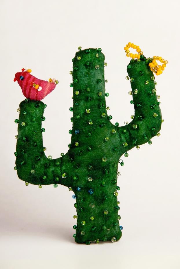 Cactus de tela. 15 cm. de alto.