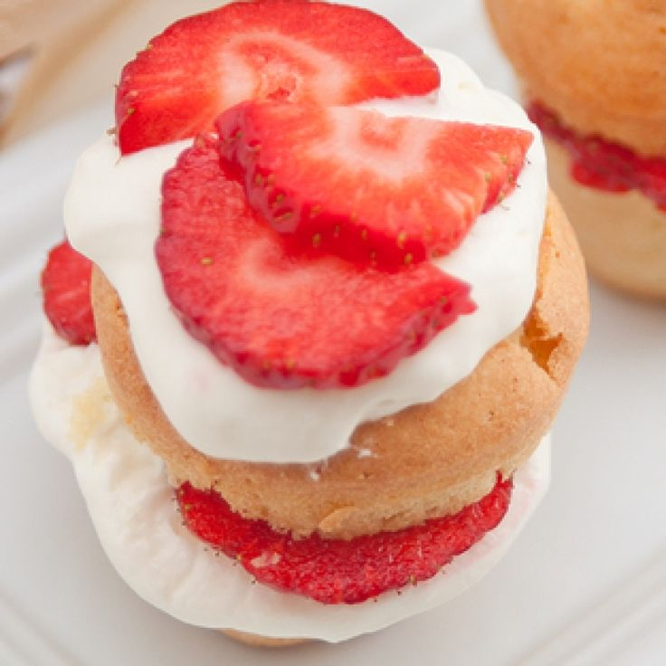 Strawberry Cream Puff Recipe | Yummy desserts and sweets | Pinterest