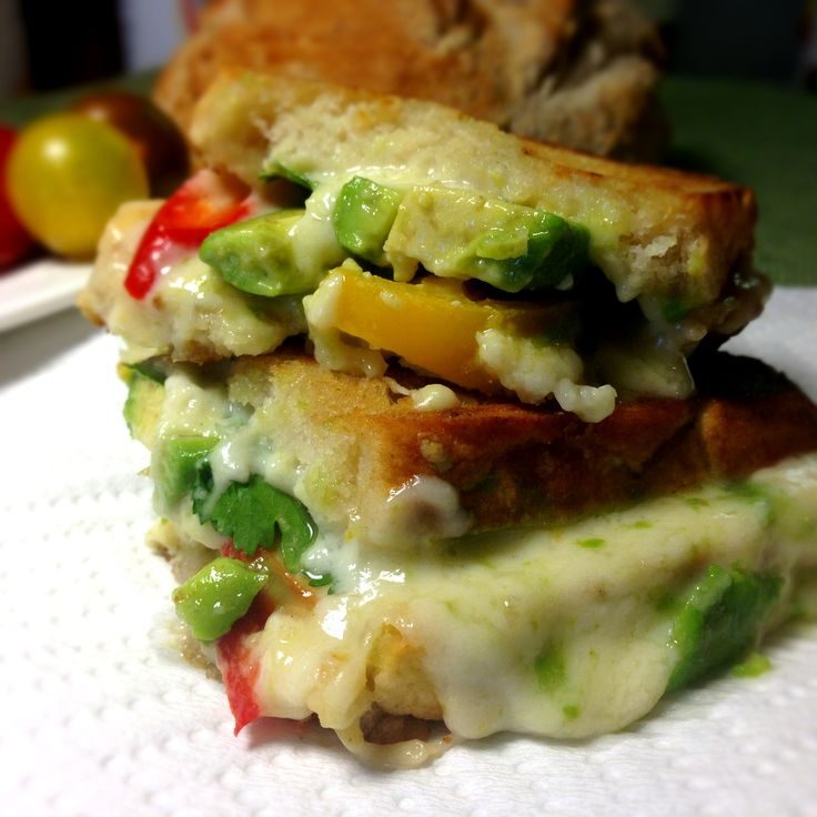 Tomato, Avocado & Jalapeno Grilled Cheese Sandwich with Homemade ...