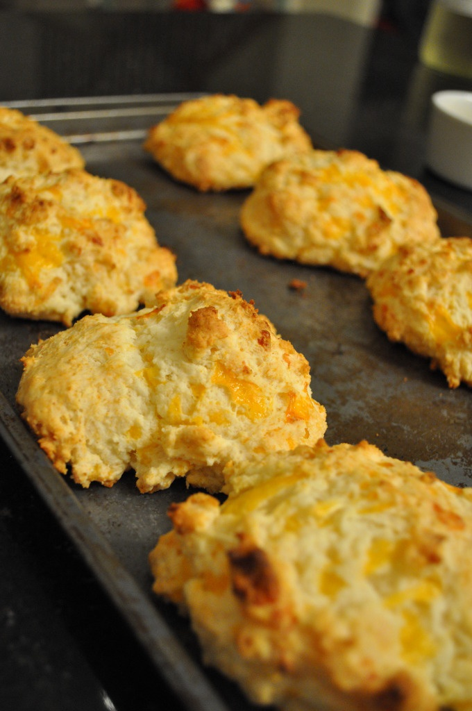 Red Lobster Cheddar Bay Biscuits (on the original page: also a chili ...