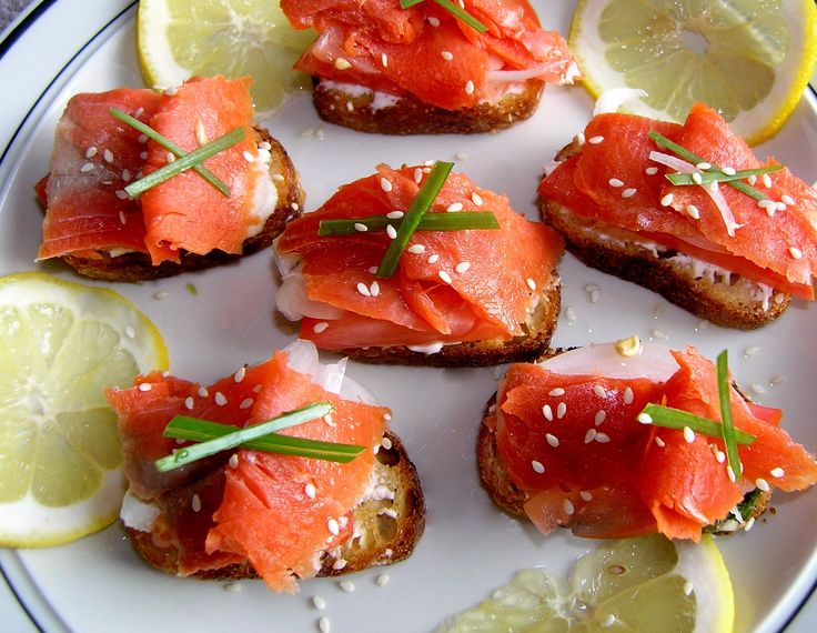 Smoked Salmon Crostini with Lemon-Dill Creme Fraiche- a great brunch ...