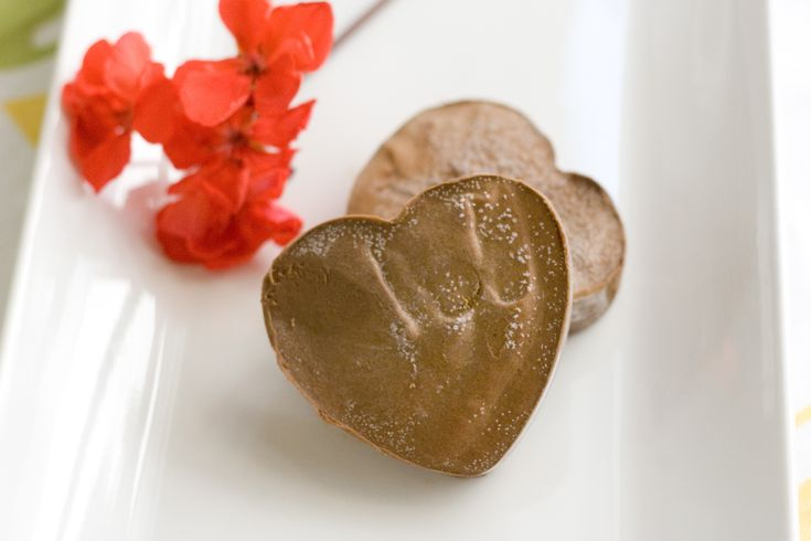 Chocolate Avocado Fudge | Coconut Mama | Cool Pics | Pinterest