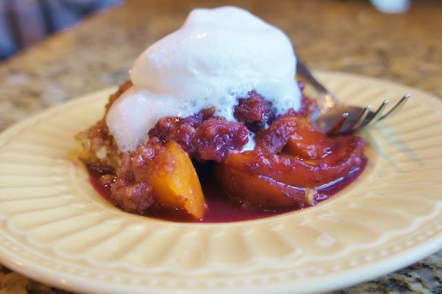 Slow Cooker Peach Blueberry Crisp | Slow Cooker Recipes Wahoo! | Pint ...