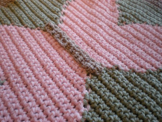 Quick Crochet Baby Patterns : Baby Butterfly Crochet Blanket Pattern - Quick & Cozy