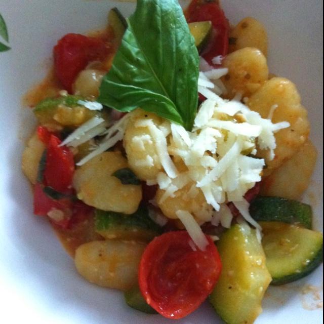 Gnocchi with summer vegetables | Nosh - Healthy | Pinterest