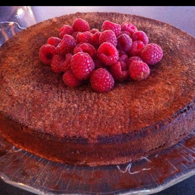 Fallen Chocolate Cinnamon Cake | pa-dum! | Pinterest