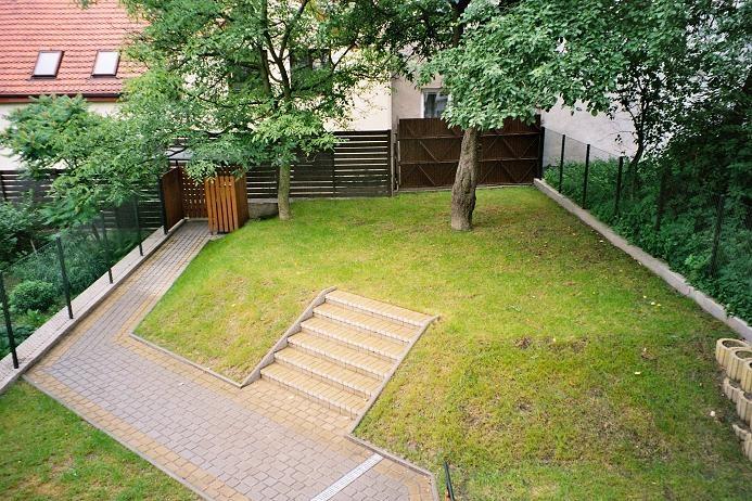 Split level garden google search garden ideas pinterest for Split level garden designs