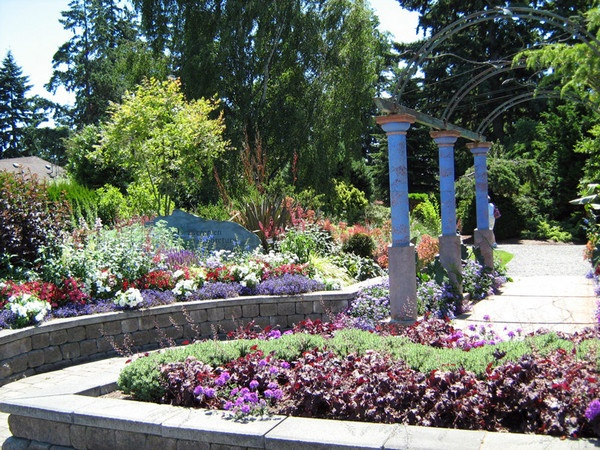 Evergreen Gardens Garden Girl Inspirational Gardens 3