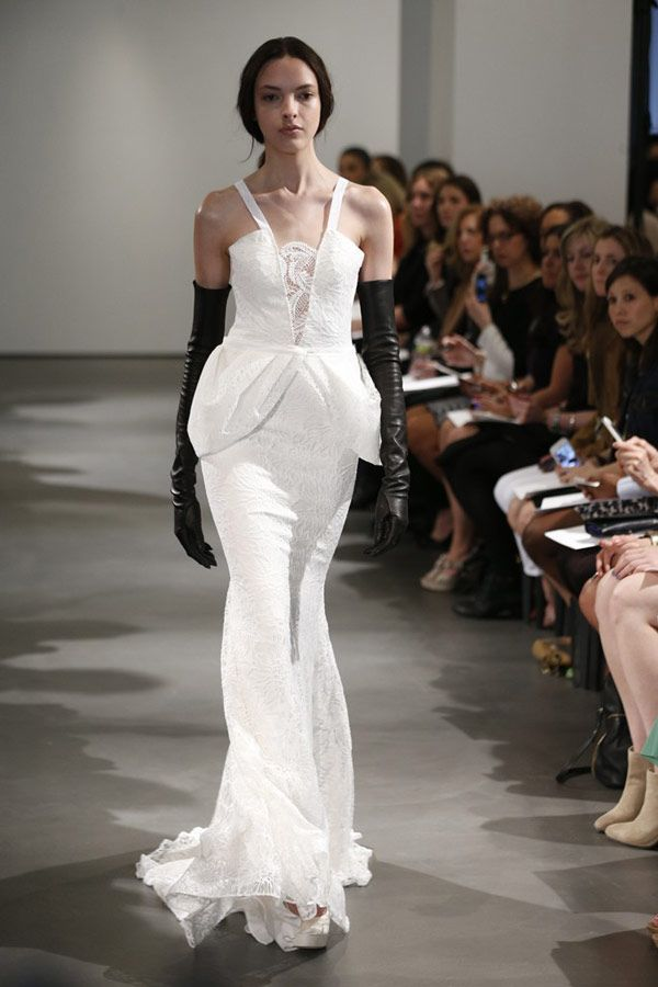 New-York-Bridal-Week-Vera-Wang-Collection-7.jpg (600×900)