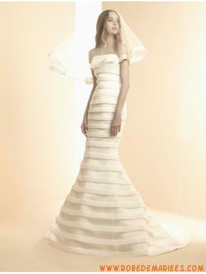 Robe de mariée sirène en satin boutons  Robes de mariée ...