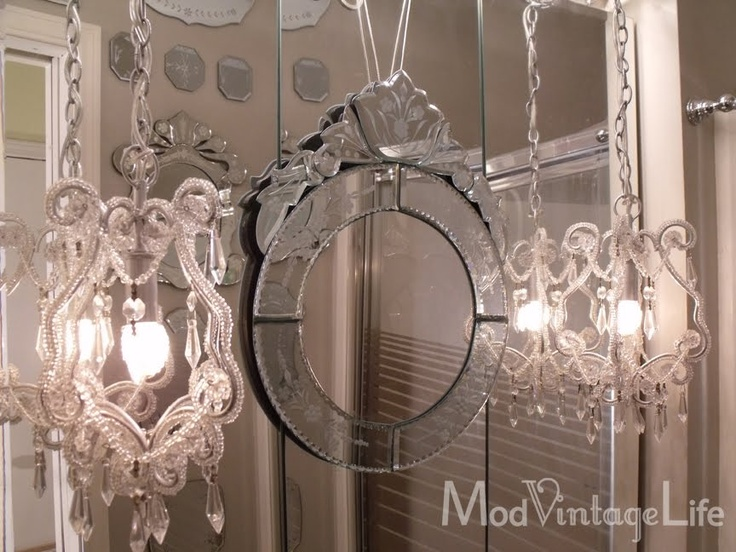 Mod vintage life glam bathroom