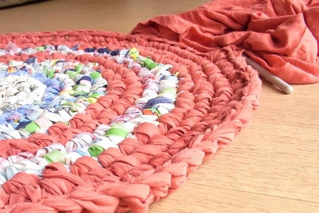 Teppich aus Stoffresten häkeln  diy crochet  Pinterest