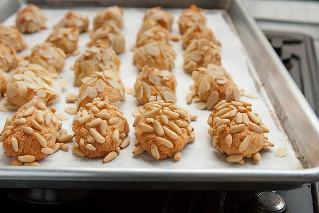 More like this: almond cookies , almond and cookies .