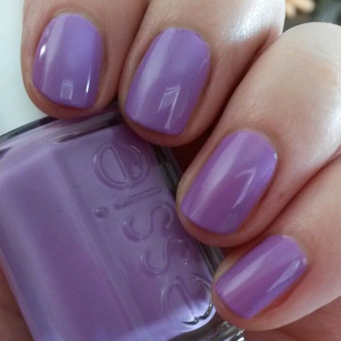 NAIL POLISH :: Essie Play Date :: This is one of my favorite colors ...