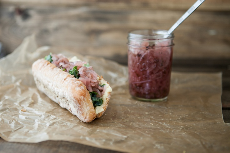 Hummus, Onion Relish, and Honey-Lime Kale Sandwich oh, yes! #vegan if ...