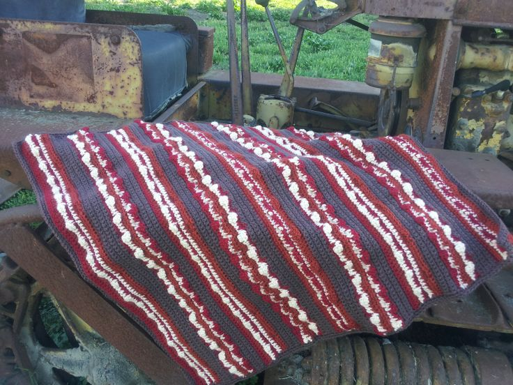 I know a few people who would appreciate this Bacon Baby Blanket ... FREE PATTERN!