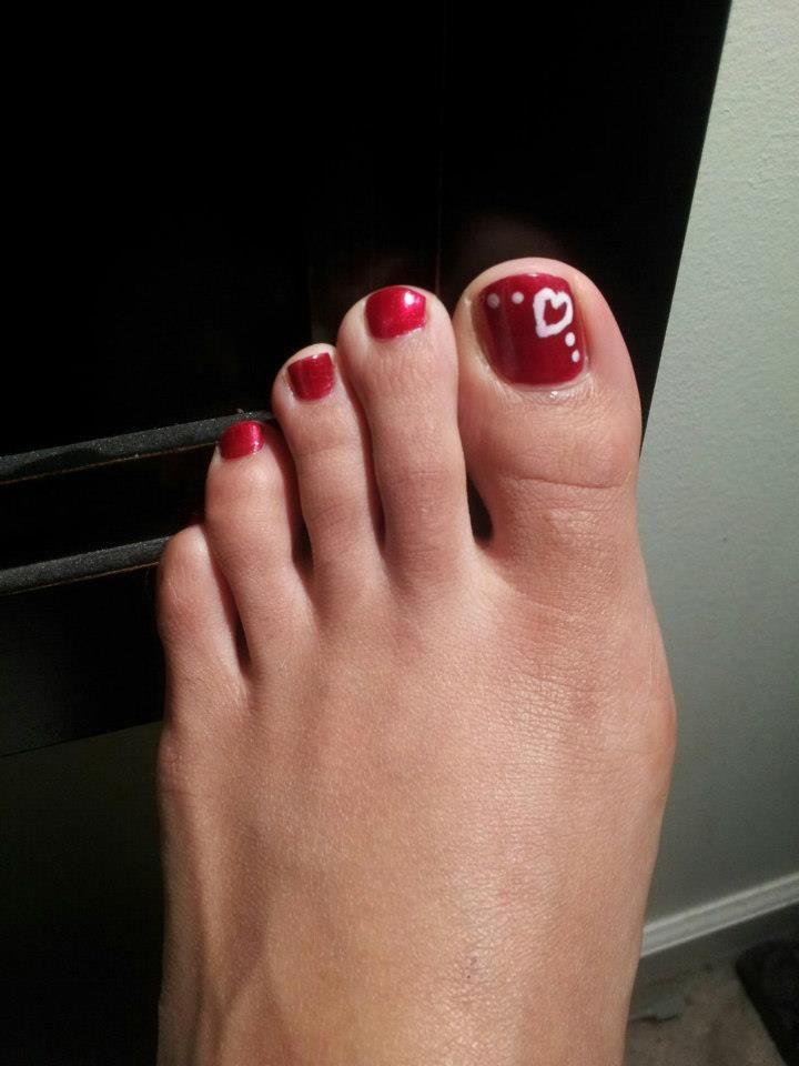 valentine's day toe designs