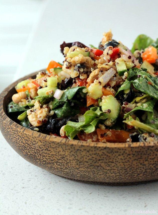 Mediterranean Quinoa Salad Bowl // bakeaholic.ca