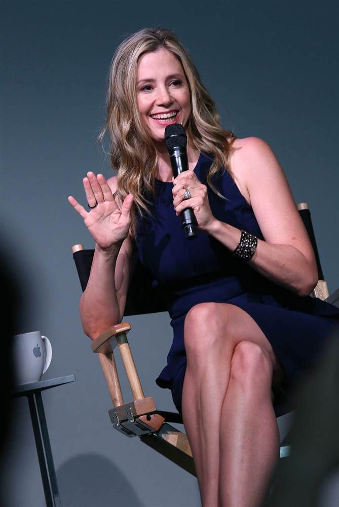 Mira Sorvino Attends Meet The Actor At The Apple Store