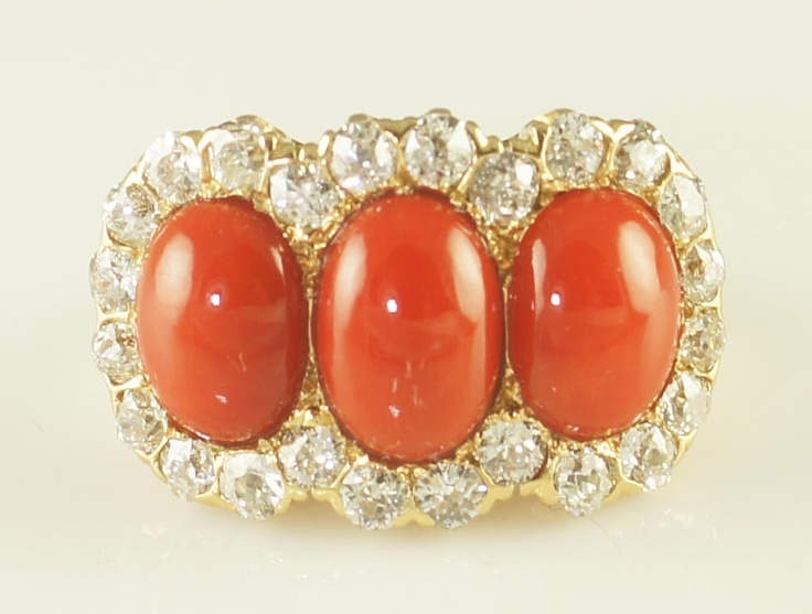 Викторианской Coral Mine и бриллиантами кольцо