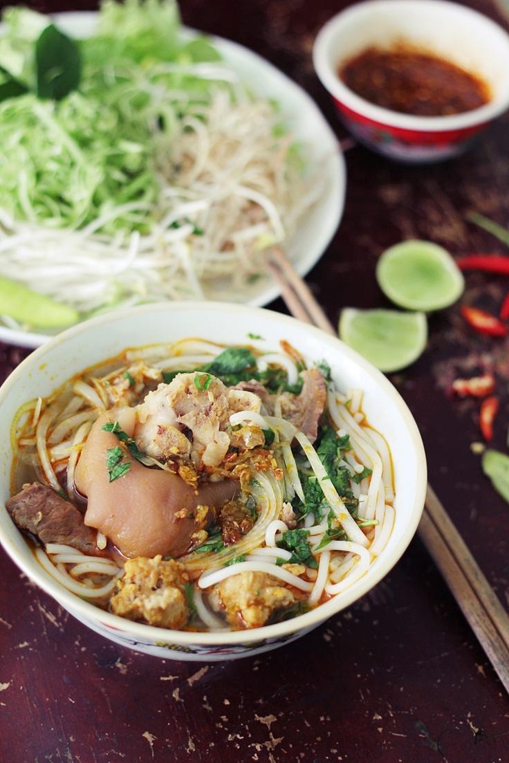 Bún bò giò heo - Spicy Beef Noodle Soup aka Hue Style Beef Noodles