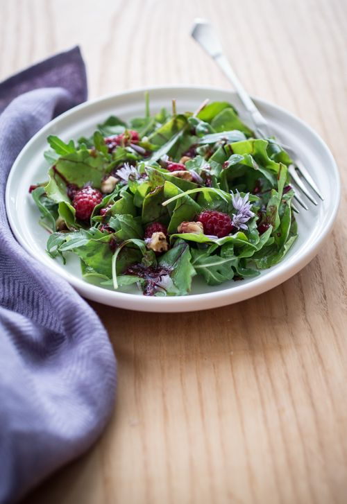 Beet Greens and Arugula Salad with Raspberry Vinaigrette : BakeNoir ...