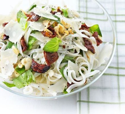 Rice noodles with sundried tomatoes, Parmesan & basil - A great gluten ...