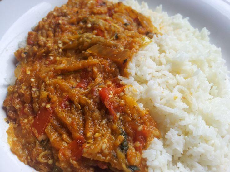 Berenjenas guisadas con arroz blanco comida dominicana - Comidas con arroz blanco ...