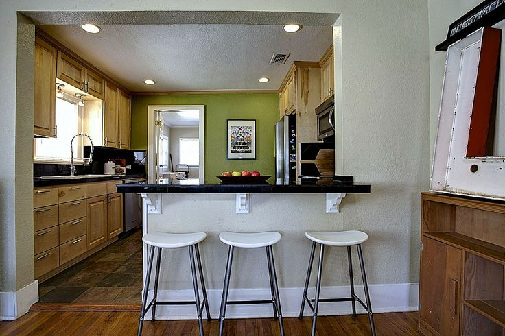 Great cottage kitchen zillow digs fix 39 s pinterest for Kitchen ideas zillow