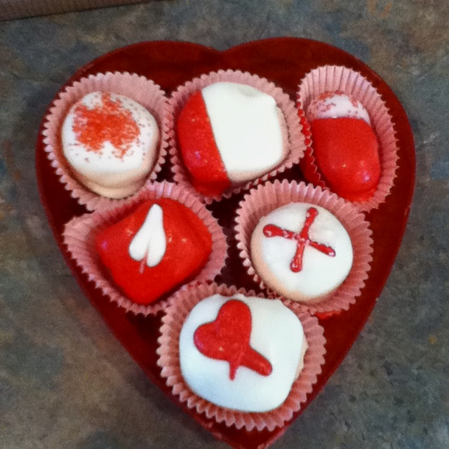 Valentines day cake balls:) | Holiday | Pinterest