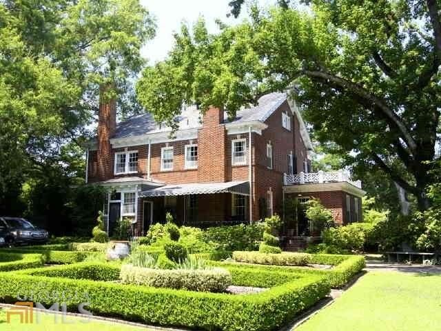 Tour Two Beautiful Historic Homes One In New York And One