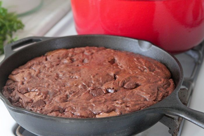 Peanut Butter Snickers Brownie Skillet | Recipe