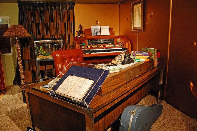 Upstairs Office Exhibit at Graceland | Graceland, Memphis TN | Pinter ...