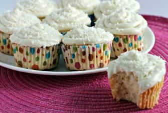 Double Coconut Cupcake with Lemon Cream Cheese Frosting. | Cakes and ...