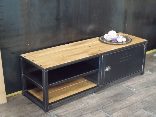 fabriquer un meuble tv style industriel bande transporteuse caoutchouc. Black Bedroom Furniture Sets. Home Design Ideas
