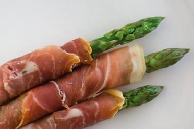 ... -wrapped asparagus with chive-garlic cream cheese - YUMMMMY