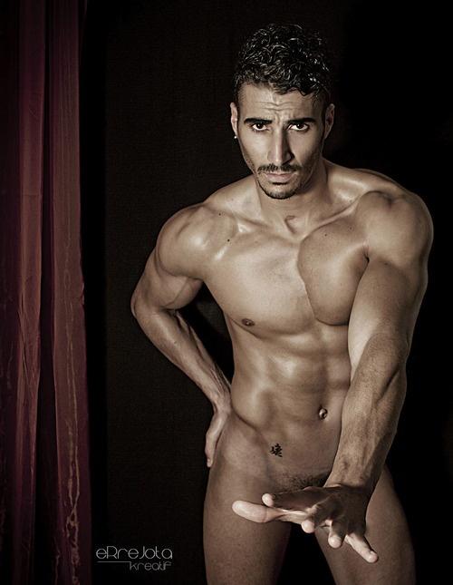 hombre desnudo pene erectos: