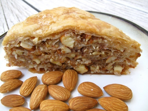 Almond Cinnamon Baklava recipe & a Giveaway! Create your own Middle ...